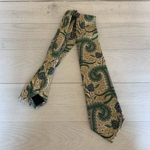 BURBERRY London Classic Cut Paisley Tie